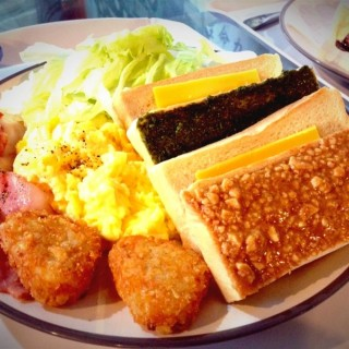 雙醬土司早午餐NT.85 - Zhongzheng District's Cube Brunch (Zhongzheng District)|Taipei