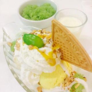 Mango icecream - ในอรุณอัมรินทร์ จากร้านSwensen's (สเวนเซ่นส์) (อรุณอัมรินทร์)|กรุงเทพและปริมลฑล