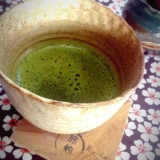 ชาเขียวร้อนถ้วยน้อยๆ - 位於อ.แม่ลาว的Ryokan Cafe' (อ.แม่ลาว) | 清萊