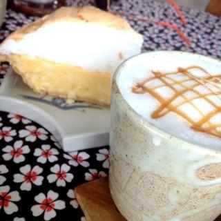 นมสดร้อน - 位於อ.แม่ลาว的Ryokan Cafe' (อ.แม่ลาว) | 清萊