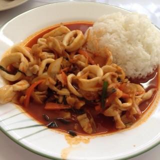 ผัดปลาหมึก -  dari Won Korean Restaurant (ห้วยขวาง) di ห้วยขวาง |Bangkok
