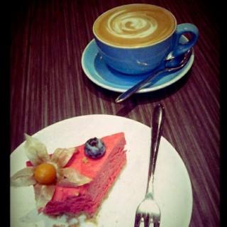 very berry cake & latte  - 位於上環的Cedele (上環) | 香港