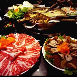 麻辣鴛鴦鍋 - West District's 老四川巴蜀麻辣燙 公益店 (West District)|Taichung