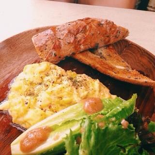 Scrambled egg . - 位于คลองเตย的Gastro1/6 (คลองเตย) | 曼谷