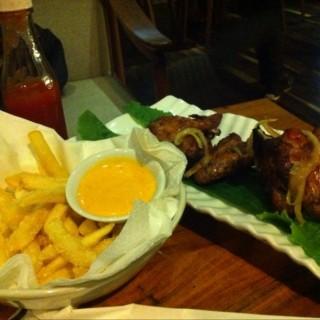 French fries and buffalo chicken wings - Central Bandung's Vanilla Kitchen & Wine (Central Bandung)|Bandung