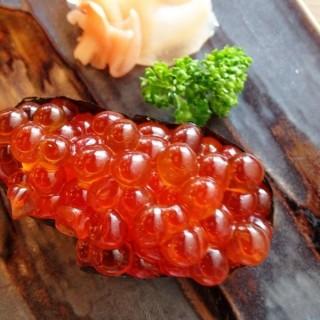 sushi - 位於พระโขนงเหนือ的Tororo Sushi (พระโขนงเหนือ) | 曼谷
