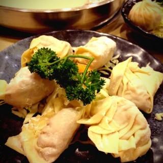 自家製餃子 - 位於的禾牛薈火煱館 (九龍城) | 香港
