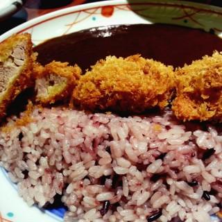 博多黑咖哩豬排套餐 -  dari 銀座杏子豬排 (東區) di 東區 |Hsinchu / Miaoli