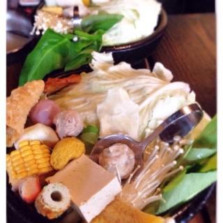 刷刷鍋 - ใน大安區 จากร้าน上乘三家涮涮鍋共和國 (大安區)|Taipei