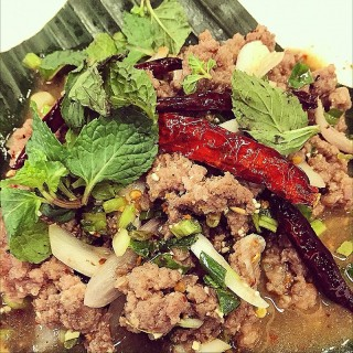 Larb-fried Minced Beef -  dari Somtam Nua (ปทุมวัน) di  |Bangkok