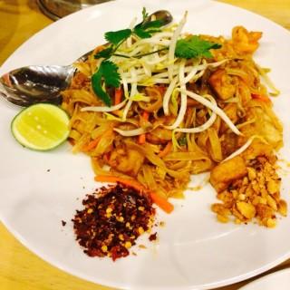 Pad Thai - ในPantai Indah Kapuk จากร้านSilky Thai (Pantai Indah Kapuk)|Jakarta