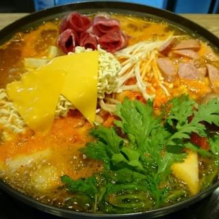 韓國部隊鍋 - Nantun District's 澄川黃鶴洞燒肉之丘 台中文心家樂福店 (Nantun District)|Taichung