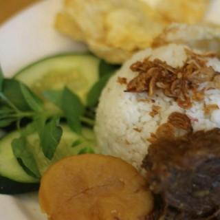 Nasi uduk semur daging - Senayan's Kafe Betawi (Senayan)|Jakarta