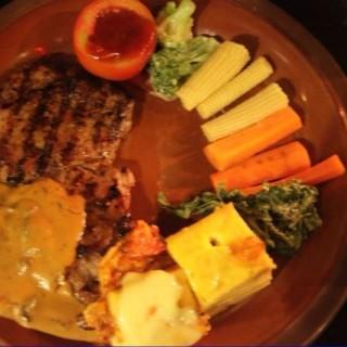 Beef tenderloin steak - 位于Dago Pakar (Dago Atas)的The Valley (Dago Pakar (Dago Atas)) | 万隆