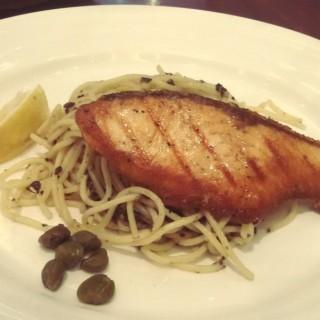 Salmon Steak with Black Olive Pesto Spaghetti - ในKelapa Gading จากร้านBakerzin (Kelapa Gading)|Jakarta