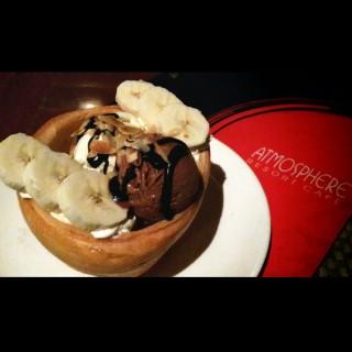 Chocolate banana ice bowl - Lengkong Besar's Atmosphere Resort Cafe (Lengkong Besar)|Bandung