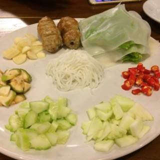 แหนมเนืองชุดเล็ก - 位于ทุ่งมหาเมฆ的Eat Viet (ทุ่งมหาเมฆ) | 曼谷