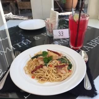 สปาเกตคี้เบคอน แดงมะนาวโซดา -  ลาดยาว / Smith & Rabbit Café Cuisine (ลาดยาว)|กรุงเทพและปริมลฑล
