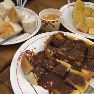ขนมปังเนยนม - 位於เสาชิงช้า的มนต์นมสด (เสาชิงช้า) | 曼谷