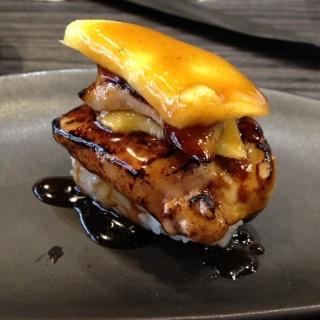 Foie gras mango nigiri - 位于สามเสนใน的Shoten Sushi (สามเสนใน) | 曼谷