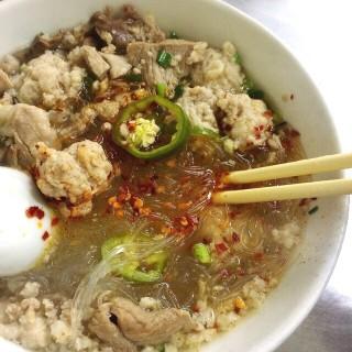豬什肉丸粉絲 - 位于下环的南洋粿條麵食店 (下环) | 澳门