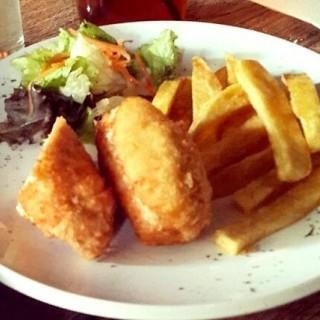 Chicken Cordon Blue Blackcurrent - 's Golden Monkey (Dago Pakar (Dago Atas))|Bandung