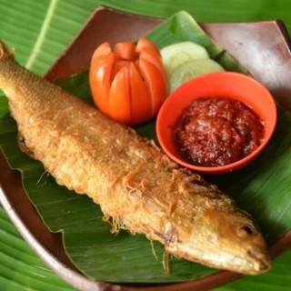 BANDENG PRESTO (kuliner kota semarang) - Pekunden's Bandeng Presto (Pekunden)|Semarang