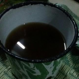 Minuman jahe - ใน จากร้านAngkringan Mas Paijo (Kelapa Gading)|Jakarta