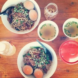 Bakmi ayam - ใน จากร้านBakmi Lamlo (Muara Karang)|Jakarta