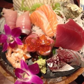 ซาชิมิรวม -  dari Sushi Hana (ซูชิ ฮานะ) (บางนา) di บางนา |Bangkok