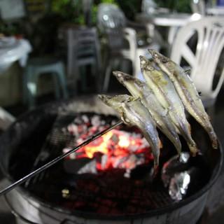 多春魚 - ใน元朗 จากร้านWai Kee BBQ (元朗)|ฮ่องกง