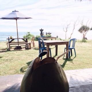 Es Kelapa Muda - Canggu's Old Man's (Canggu)|Bali