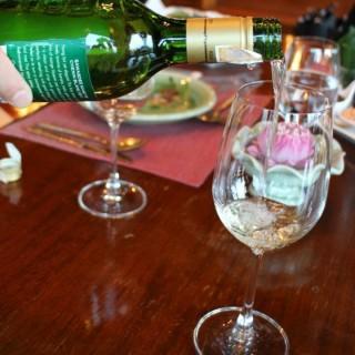 white wine -  สี่พระยา / Thara Thong Royal Thai Cuisine (สี่พระยา)|กรุงเทพและปริมลฑล