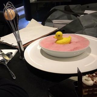 鴨仔紅莓泡泡浴  - ใน大坑 จากร้านblack n white (大坑)|ฮ่องกง