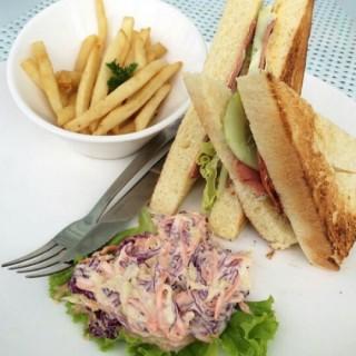 Sandwich - ในPuncak จากร้านNicole's Kitchen & Lounge (Puncak)|Jakarta