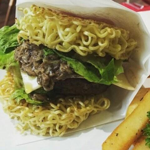 Noodle burger - Lin Artisan Ice Cream - Ice Cream/Yoghurt - Kemang - 雅加達