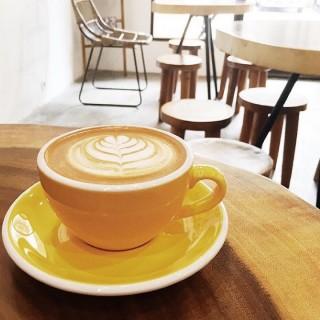 Caramel macchiato - 位於Pantai Indah Kapuk的Pennyroyal Coffee (Pantai Indah Kapuk) | 雅加達