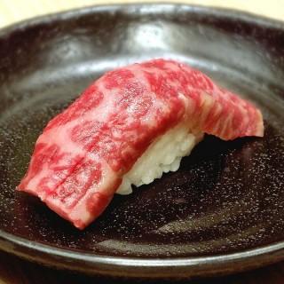 Kagoshima Wagyu Sushi -  dari Itacho Sushi (Thamrin) di Thamrin  Jakarta