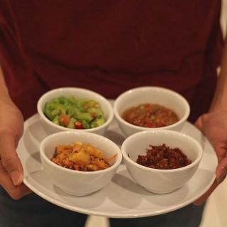 Sambal Arjuna (harga per item) - ใน จากร้านSeafood Arjuna (Kebon Jeruk)|Jakarta
