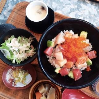 Bara Kaisen Don Lunch Set -  dari Sumiya Charcoal Grill Izakaya (Somerset) di Somerset |Singapura