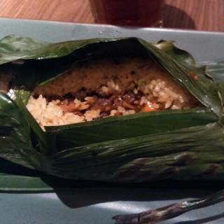 nasi bakar cumi - 位於Senayan的Remboelan Indonesian Soul Food (Senayan) | 雅加達