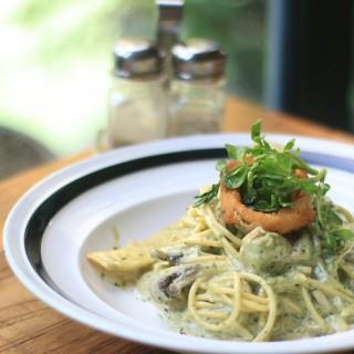 Verde Tagliatelle Chicken - ในKuningan จากร้านCasadina Kitchen & Bakery (Kuningan)|Jakarta