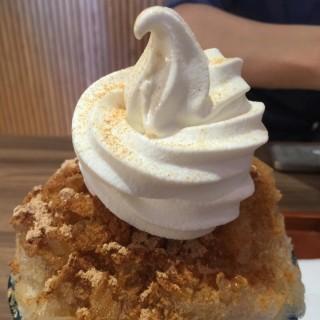 黑糖霜冰 -  dari Machiya Cafe (西區) di 西區 |Taichung