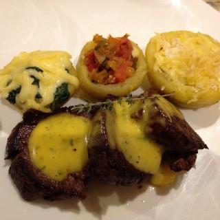 Pan Seared Beef Tenderloin - Ortigas's Café 1771 (Ortigas)|Metro Manila