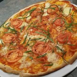 Margherita Pizza -  dari Pasto (Makati) di Makati |Metro Manila