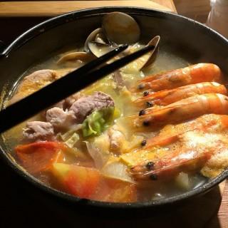 丸太雜煮鍋 -  dari 丸太。屋台風浜燒場 (仁愛區) di 仁愛區 |New Taipei / Keelung
