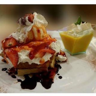 Honey Toast With Orange Pudding -  dari My Kopi-O! (Serpong) di Serpong |Jakarta