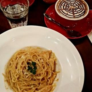 Spaghetti Chicken Bolognese & mocha  -  Bandar Sunway / The Library Coffee Bar (Bandar Sunway)|Klang Valley