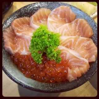 แซลมอนอิคุระด้ง -  หนองบอน / Omote Sushi Bar (หนองบอน) กรุงเทพและปริมลฑล