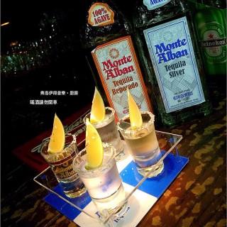 蒙地亞蘭shot組 -  dari Freud Pub (馬公市) di 馬公市 |Eastern Taiwan & Offshore Islands
